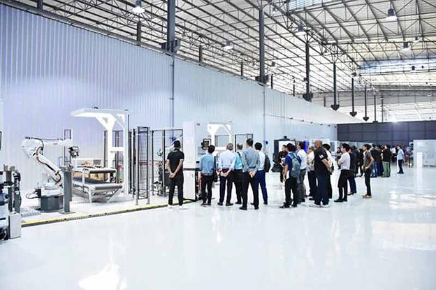 robot automazione Tailandia 4.0