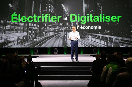 convergenza digitale mondo elettrico Schneider Electric
