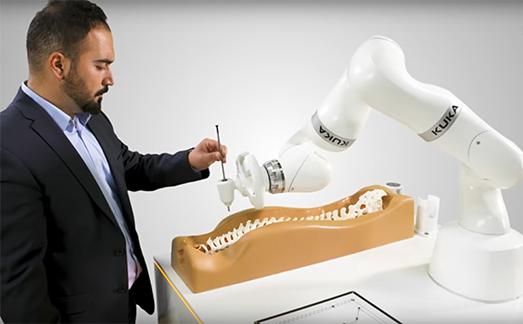 Kuka robot medicale LBR Med