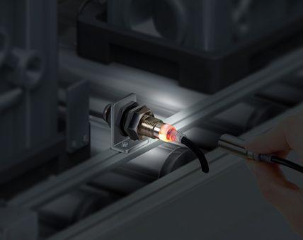 sensori IO-Link E2E Next Omron