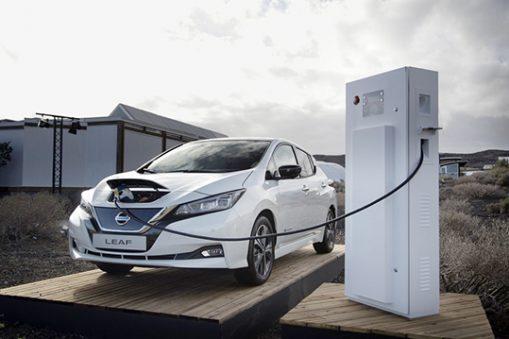 ricarica smart V2G accordo Nissan EDF
