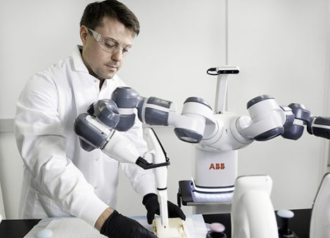robto ABB automazione medicale